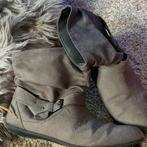 Grey Seude Ankle Boots
